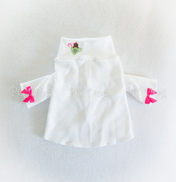 Gingerbread Teacup White Mock Turtleneck