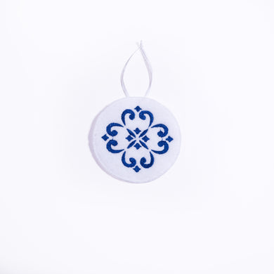 Azulejos Ornament _ White
