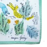 Pochette de costume en soie motif jungle par Morgane Guerry