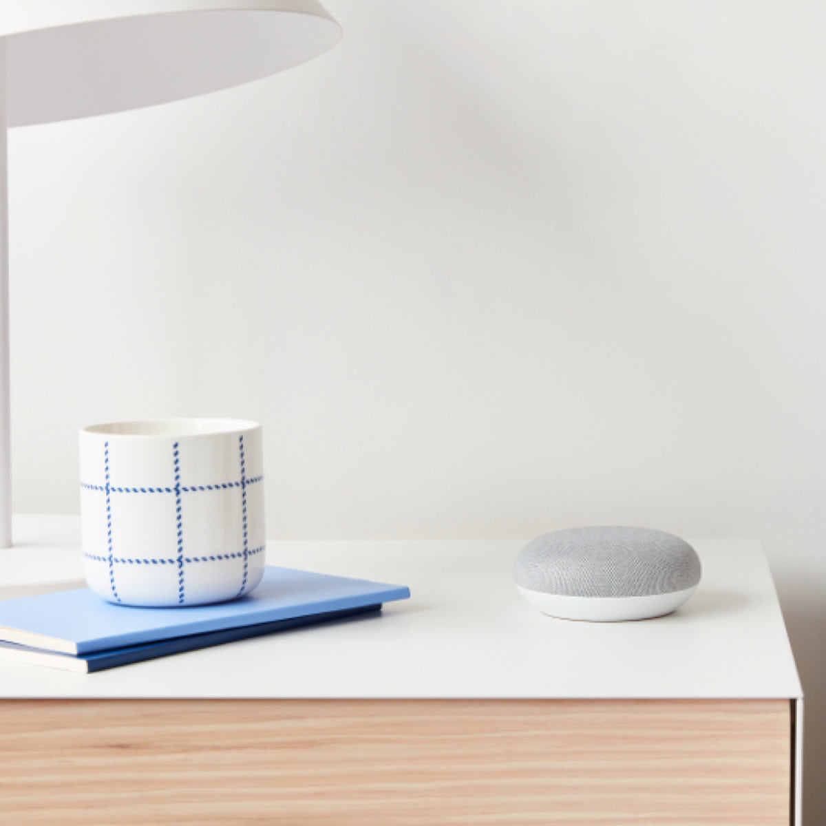Google Home Mini - lifestyle 4