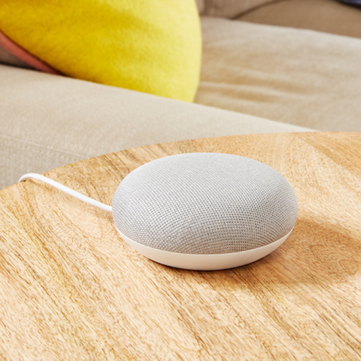 Google Home Mini - lifestyle 3