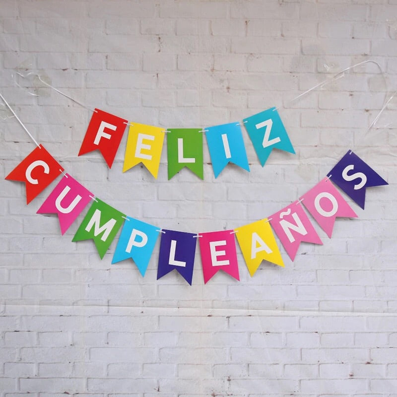 Feliz Cumpleanos Paper Party banner and bunting