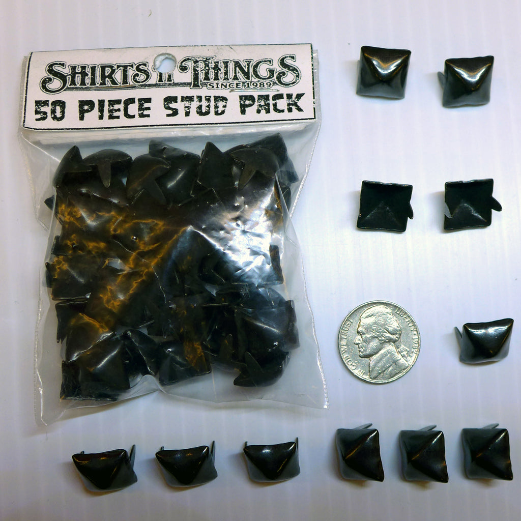 Pyramid Studs Black-50 Pack