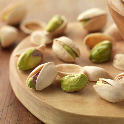 6 Reasons to Pick Up Some Pistachios
