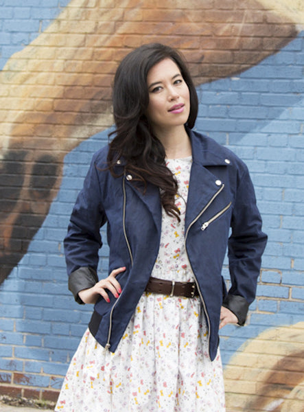 The James in Ivory and Navy Waxed Canvas on Her: Ships Now 30-50% Off