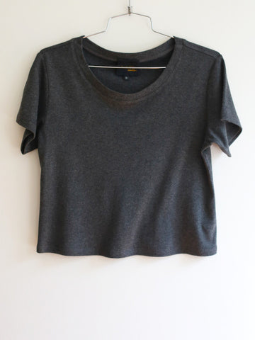 15% OFF: The VAUTE Crop Top - Charcoal