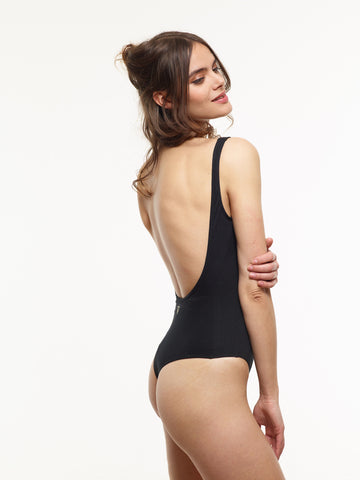 Classic Scoop VAUTE Organic Bodysuit in Black