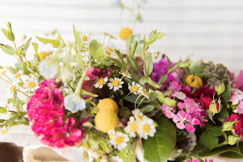 Why Giving Flowers Actually Makes Us Happier
