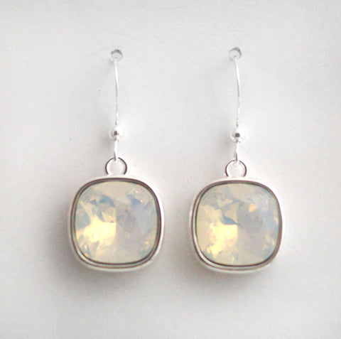 #CD17- Eclipse Drop-White Opal Silver