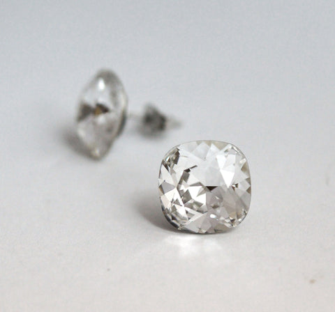 #CS15- Sparkling Clear Crystal Studs