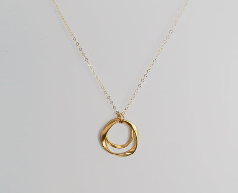 #N-MM44G-Hammered Ring Necklace- Gold