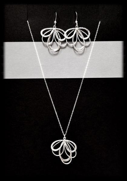 #MM51SET- Bow Necklace and Earring- Silver