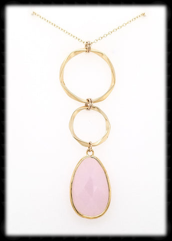 #AAFTXL19G-HRN- Hammered Rings with Framed Pendant Necklace-Pink Opal Gold