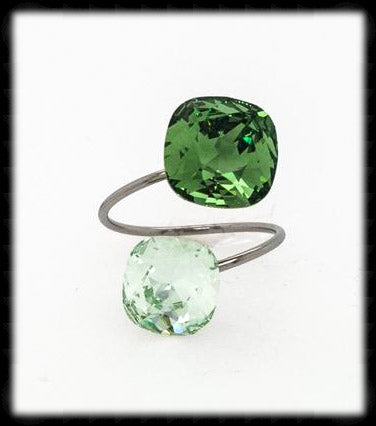 #R9918- Sparkling 2 Tone Ring- Erinite Chrysolite
