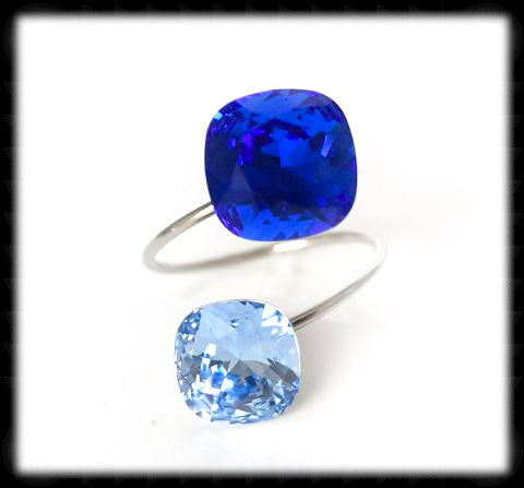 #R9911- Sparkling 2 Tone Ring- Majestic Light Sapphire