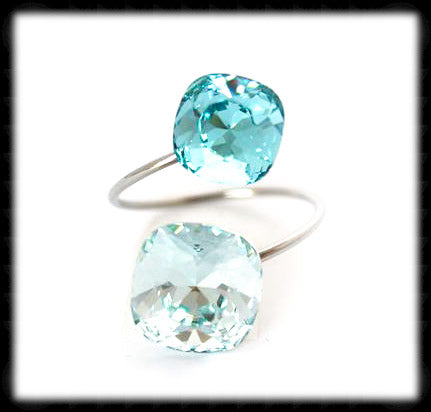 #R994- Sparkling 2 Tone Ring- Azore Light Turquoise