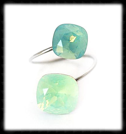 #R9973- Sparkling 2 Tone Ring- Chrysolite Opal Pacific