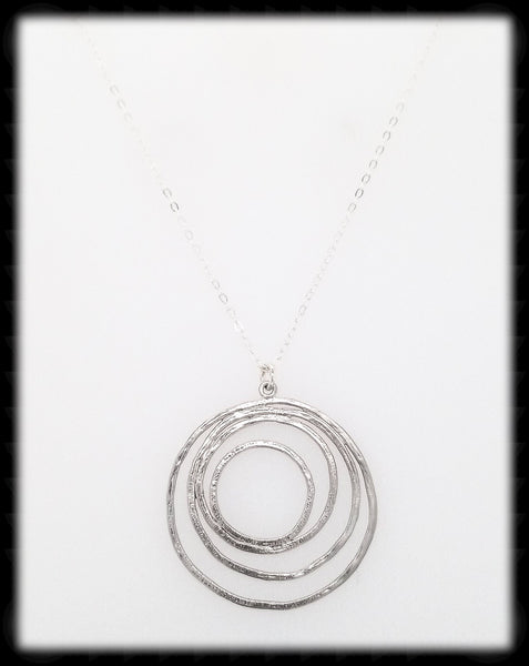 #MM9981N- Abstract Round Necklace- Silver