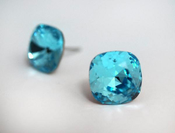 #CS36-Light Turquoise Crystal Studs