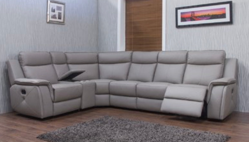 The infiniti leather corner group in taupe