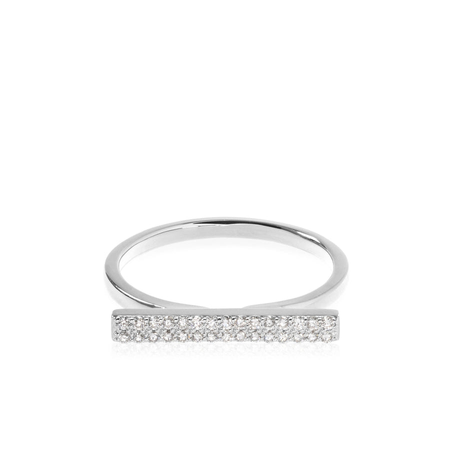 The5thC_Ring_Hailey_18k white gold diamond round brilliant diamonds