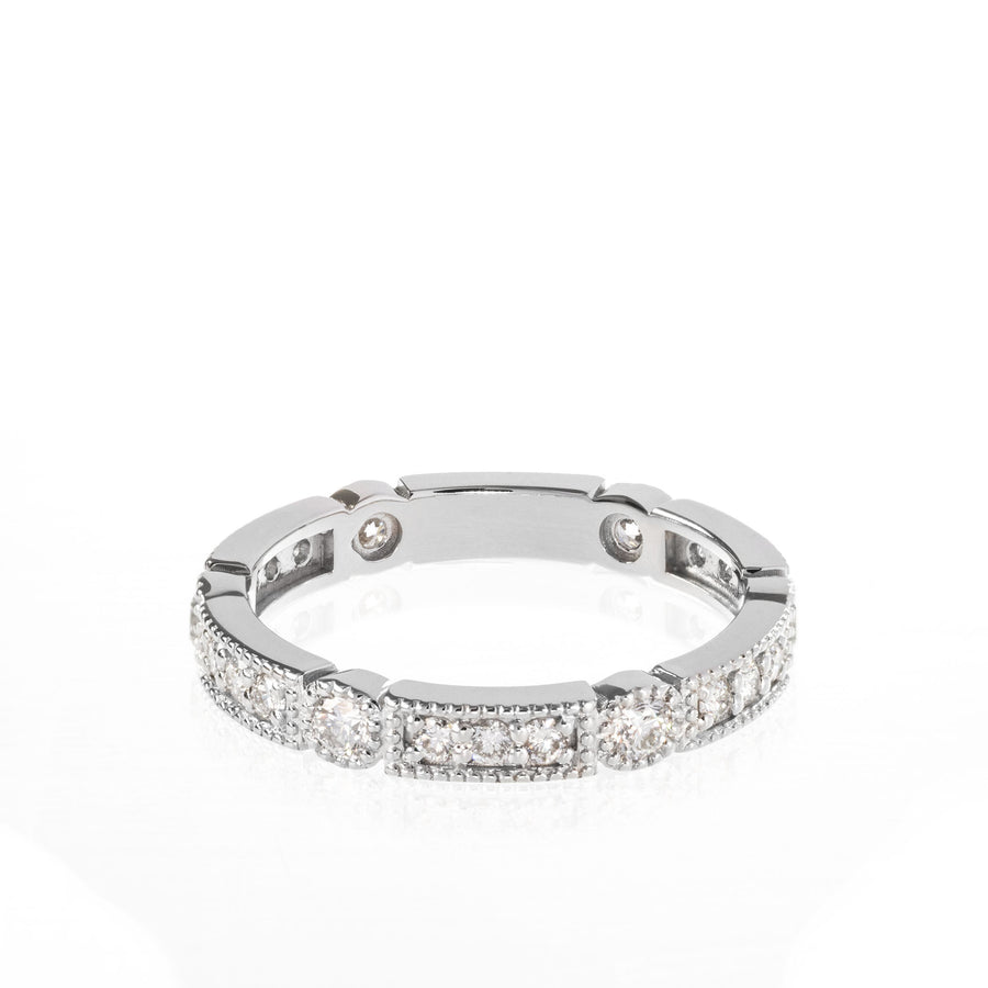 The5thC_Ring_Lilly_18k white gold diamond round brilliant diamonds