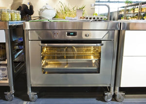 How did stainless steel become so popular?