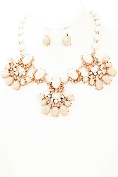Rocca Pendant Necklace & Earrings