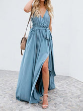 Laden Sie das Bild in den Galerie-Viewer, Light Blue Cotton V-neck Tie Waist Sleeveless Chic Women Maxi Dress