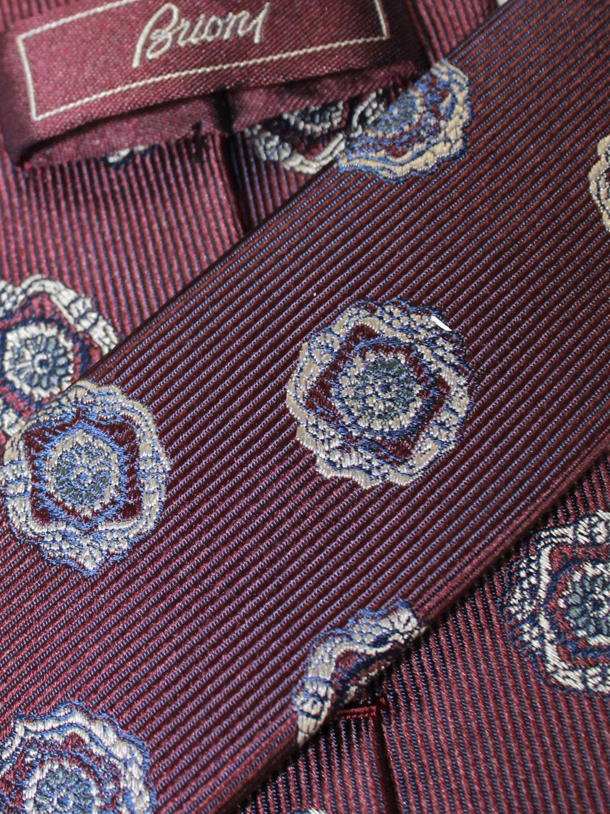 Brioni Silk Tie Brown Medallions Design