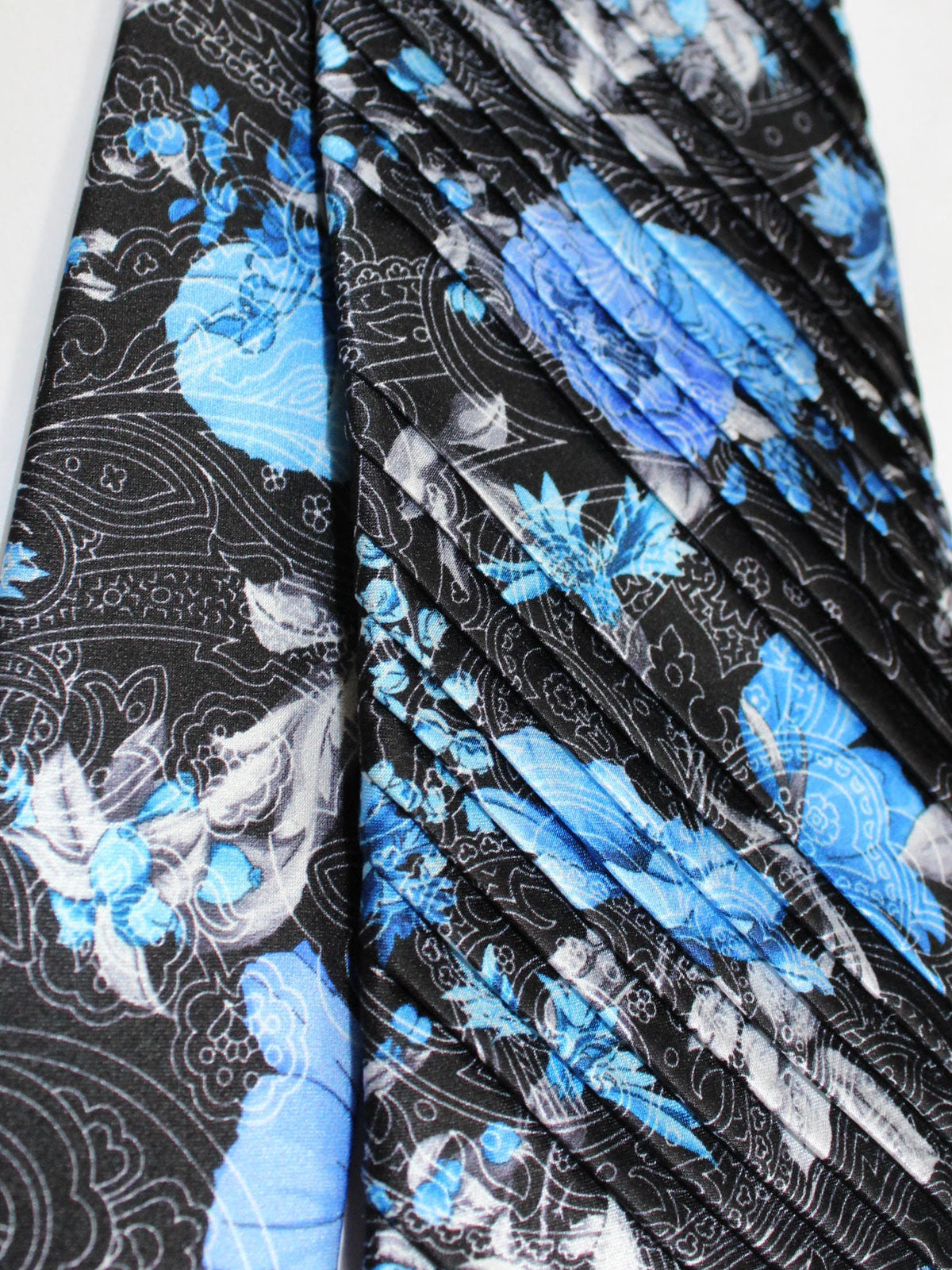 Vitaliano Pancaldi PLEATED SILK Tie Black Gray Blue Floral Ornamental