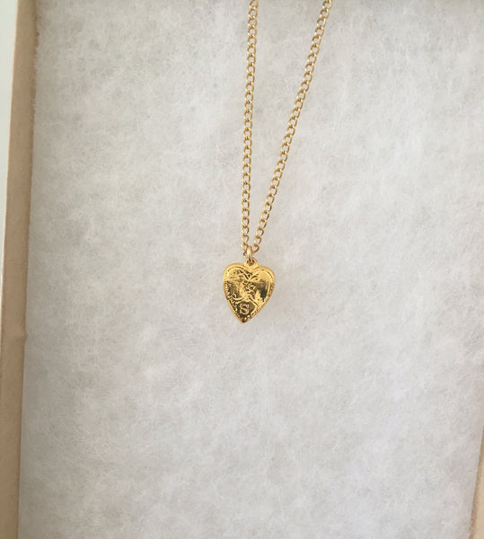 Victoria Tiny Heart Necklace