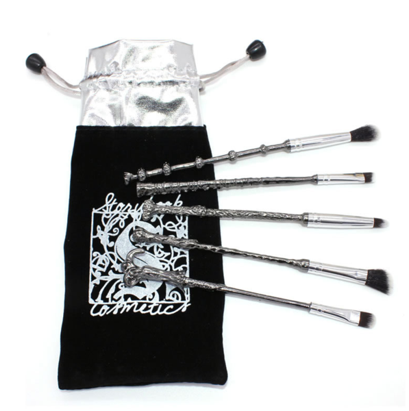 LIMITED EDITION HARRY POTTER MAKEUP BRUSHES(BUY 2 FREE SHIPPING)