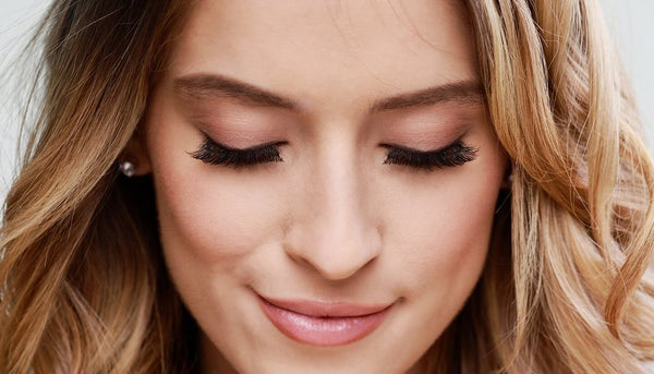 HOT SALE ! Magnetic Fake Eyelashes Will Make Your Life So Much Easier