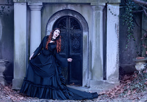 Black Gothic Mina Dracula Victorian Gown with Bustle/train