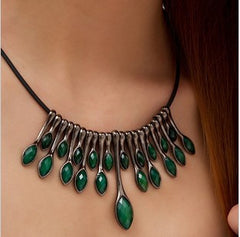 Vintage Peacock Tail Feathers Green Rhinestone Resin Pendants Choker Necklace