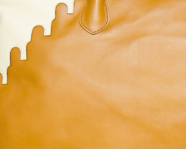 A closer Look at the ABURY Rabbia Tote Bag