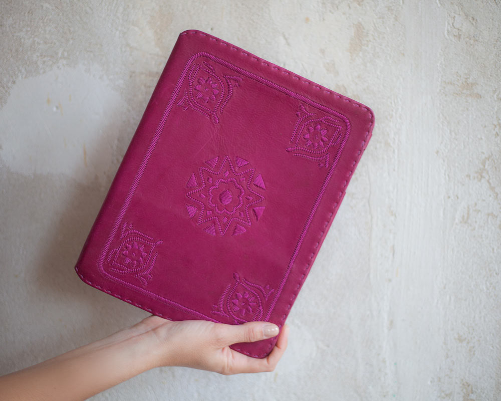 picture of the berber leather ipad case in pink