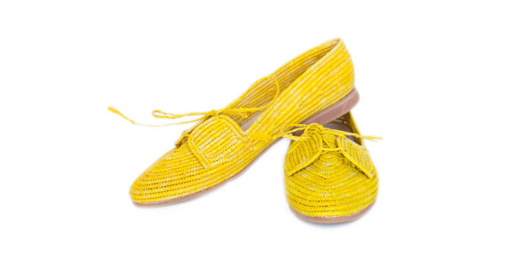 picture of the yellow raffia shoes