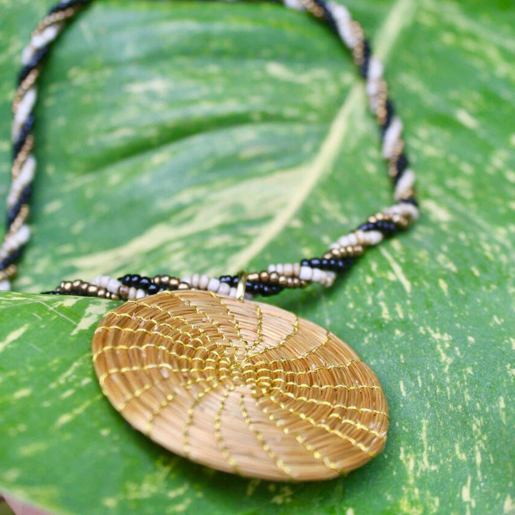 Mesclado golden grass and miçangas necklace by she is from the jungle