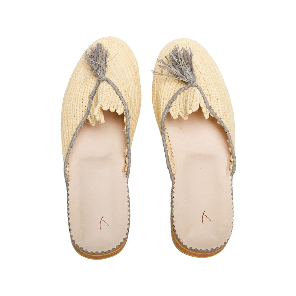 back side abury beige, grey raffia summer slippers with tassel