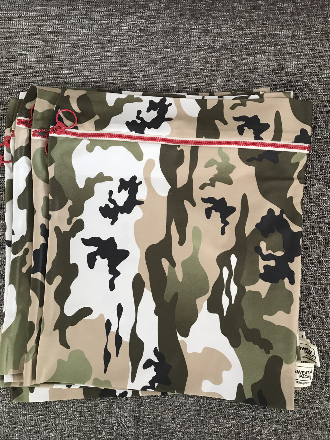 Sweat Pack Camo Large