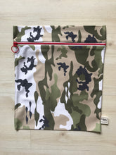 Load image into Gallery viewer, Sweat Pack Camo Large