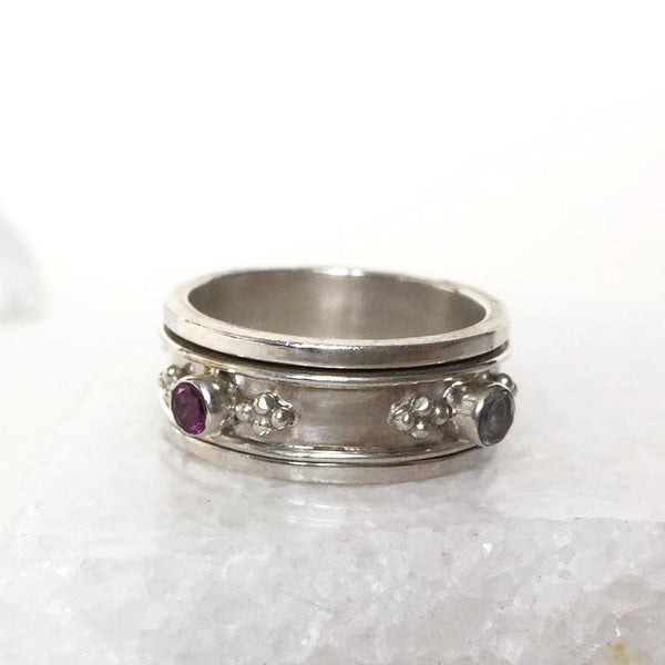 Rajput Spinning Ring - Moonstone and Rhodolite