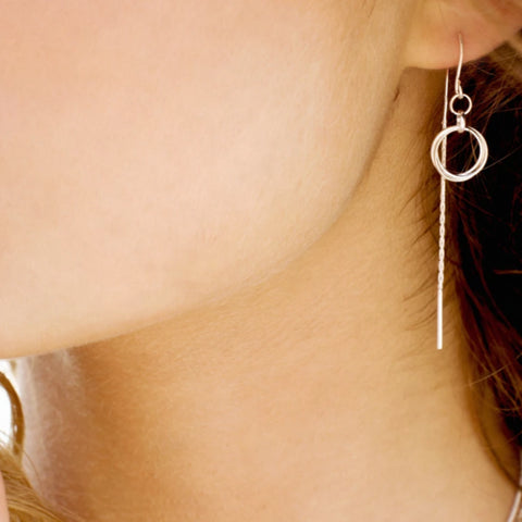 CIRCLE DROP THREADER EARRINGS