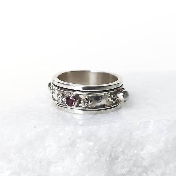 Rajput Spinning Ring - Rhodolite and Pearl