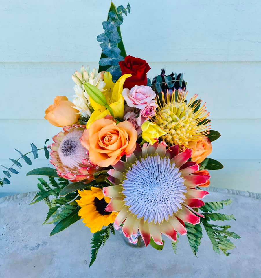 Maui Flower Delivery ~ Classy Country Bouquets & Arrangements