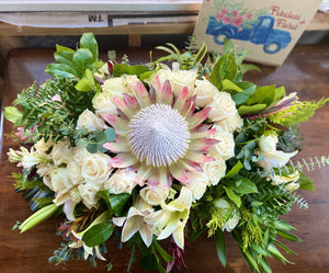 The Queen's Crown ~ 360 Classy Country Style Centerpiece