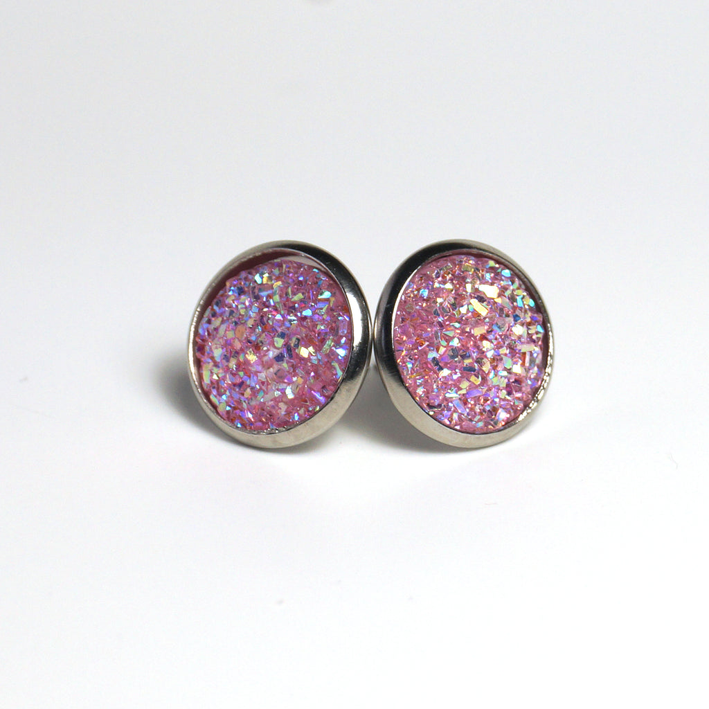 Blush Cockatoo Stud Earrings (14mm)