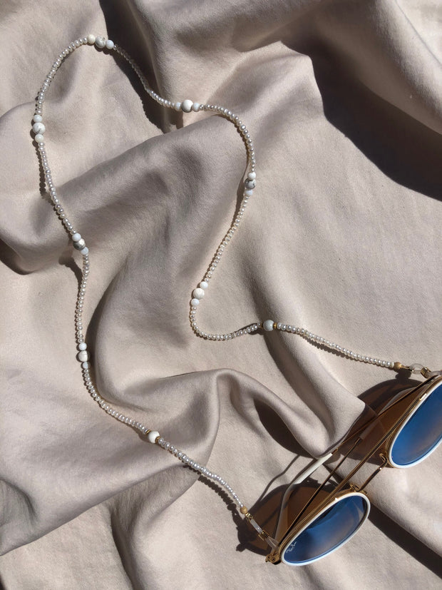 Natural White Sunglasses Chain